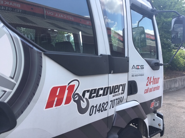 recovery truck Hull